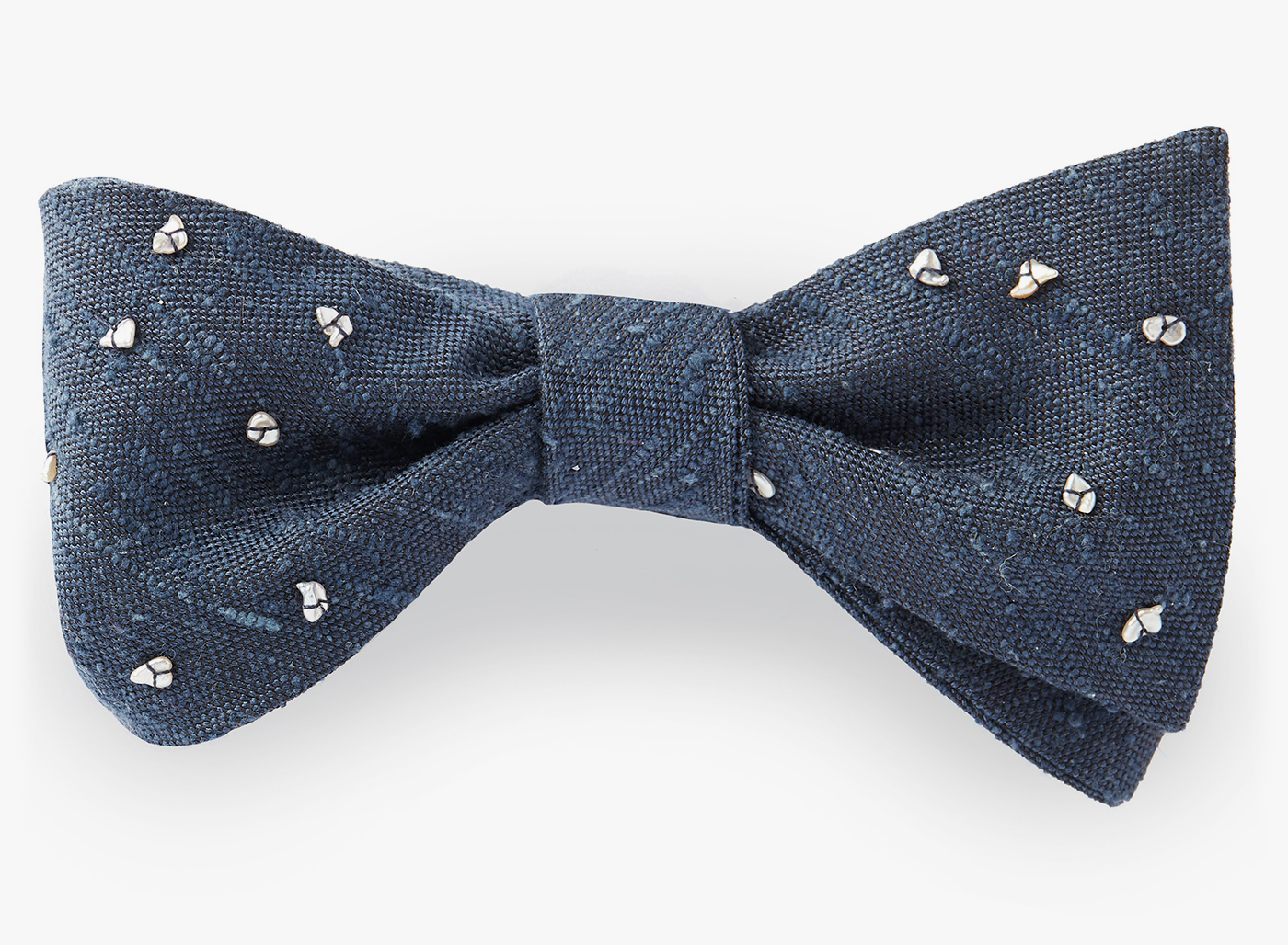 Image of Pearl Clusters Bowtie