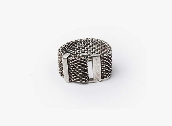 Adjustable Macro Mesh Solid Lock Ring